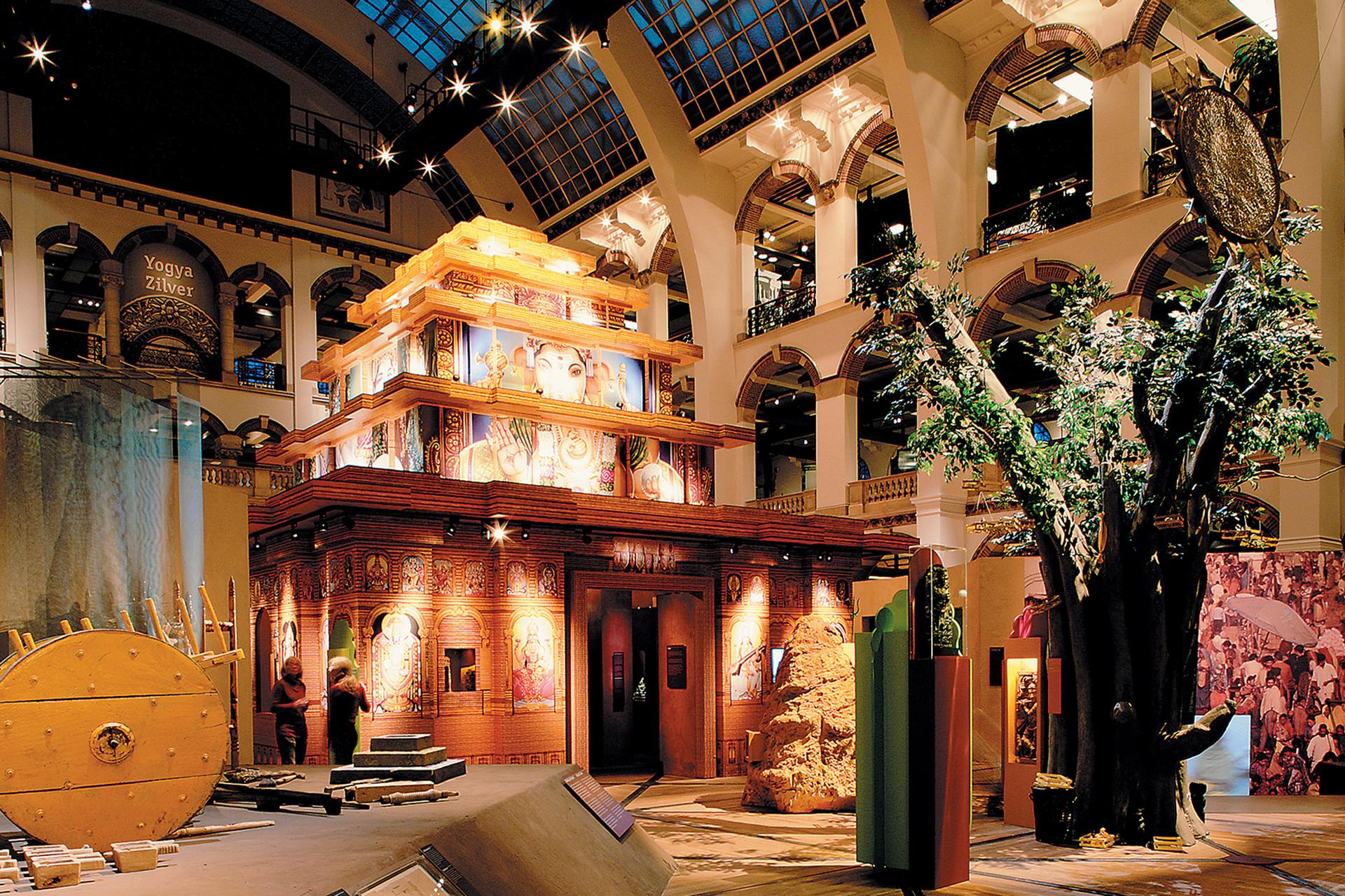 de-goden-verzoeken-tropenmuseum